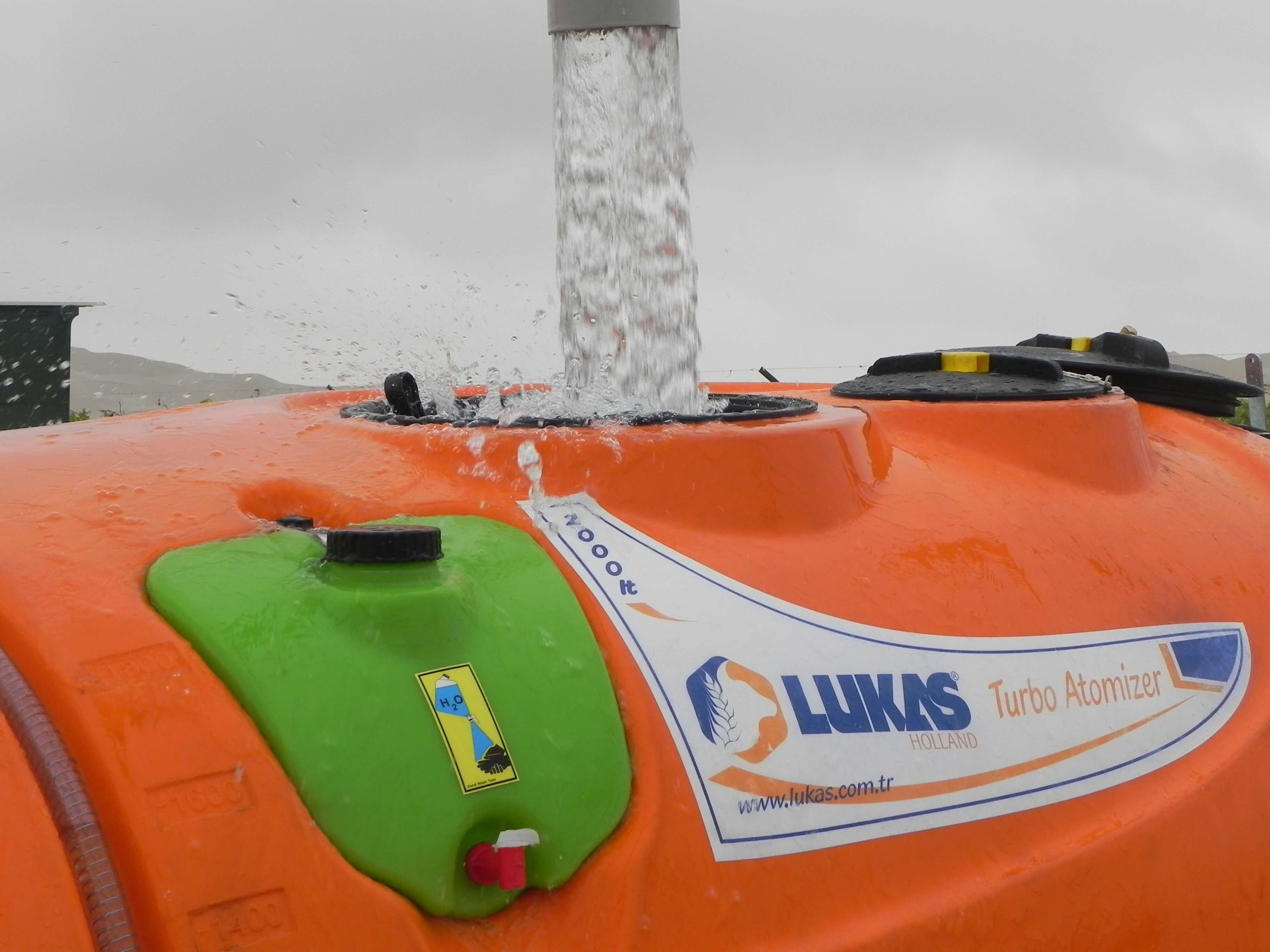 Producto Lukas Holland 2000 litros Sobitec Peru