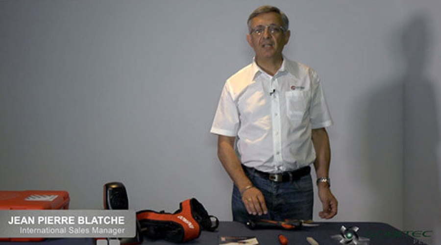 Uso de la llave de control de tijeras eléctricas y piedra para afilado de cuchillas